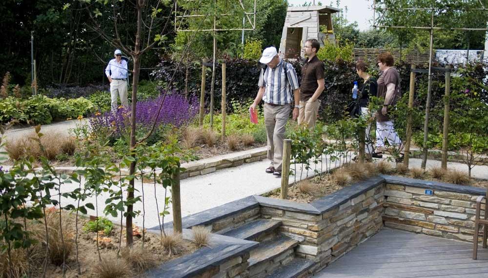 bezoekers triangulars tuin